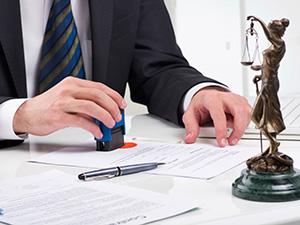 Application immédiate et aux baux commerciaux antérieurs, de la nouvelle possibilité de résilier un bail commercial pour le preneur, à l'expiration d'une période triennale prévue par la loi du 18 Juin 2014